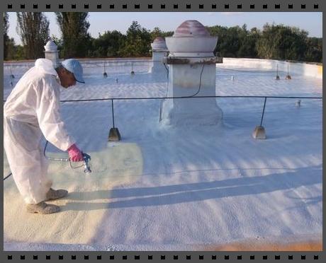 Lapostető szigetelés szórt poliuretánnal hő és víz ellen
