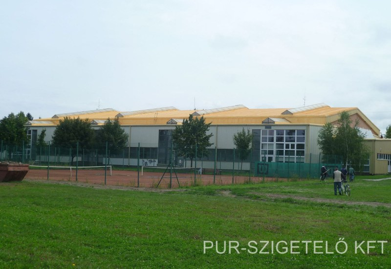 sportcsarnok purhab tetőszigetelés.jpg
